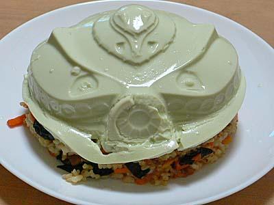 ご飯の上にビグザム豆腐をオン